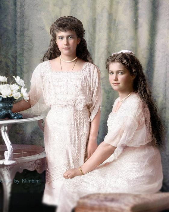 Marele Ducese Maria şi Anastasia - color.jpg