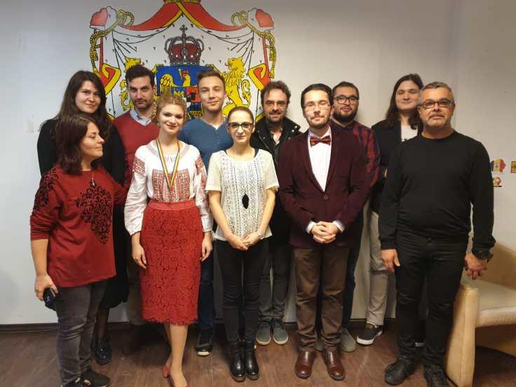 Teodora Constantinescu, președintele Organizației de Tineret, în fruntea noii echipe și alături de colegi din asociație.